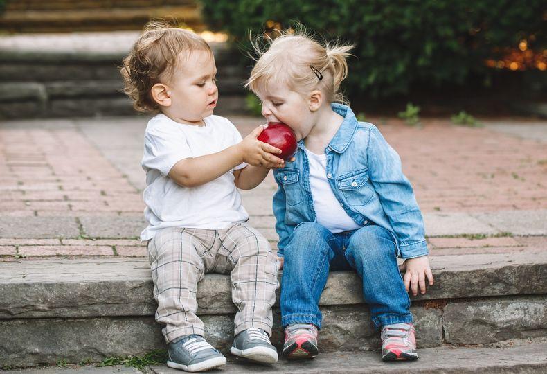 Citat: Če otroci živijo tako, da delijo z drugimi, se naučijo velikodušnosti